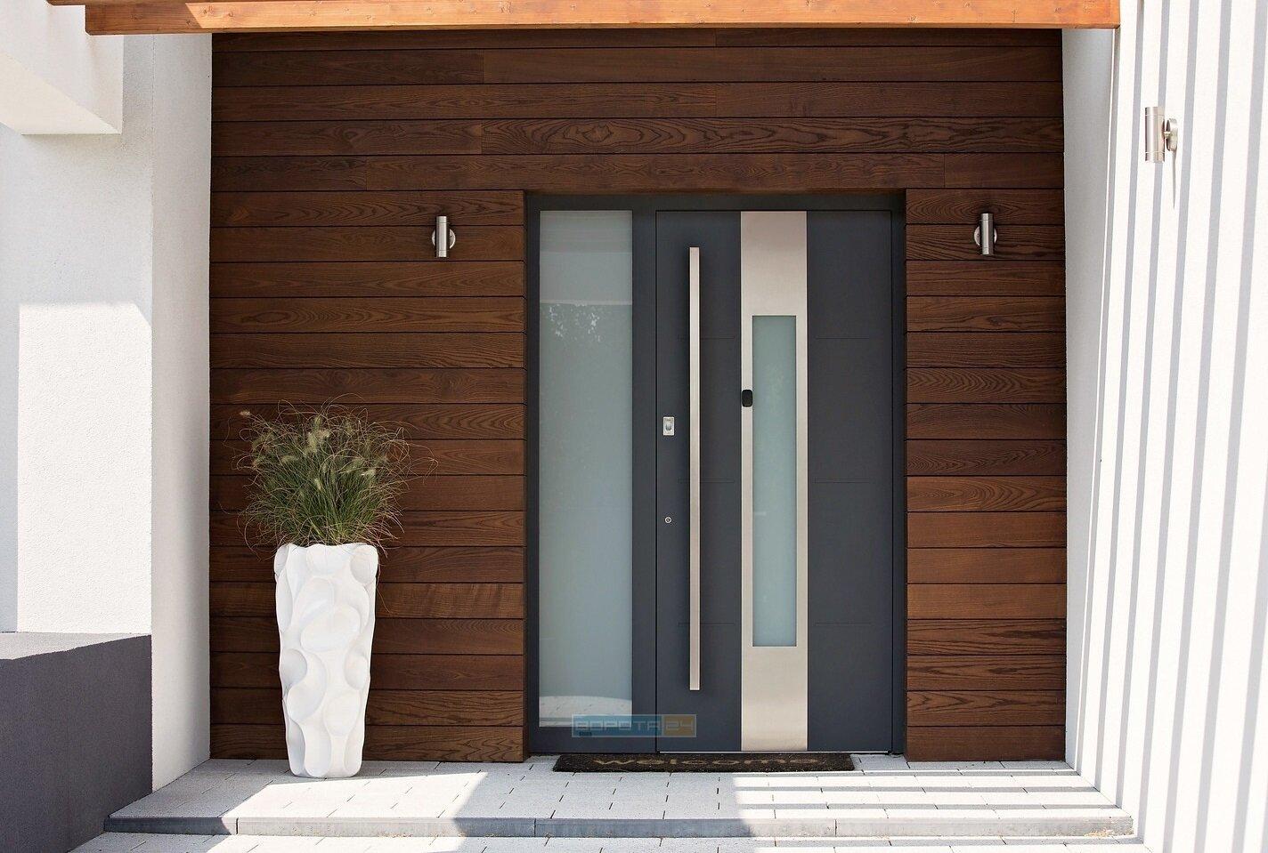 dizajn-dveri-naruzhnoj-v-chastnyj-dom-vkhodnye-alyuminievye-konstruktsii-so-steklom