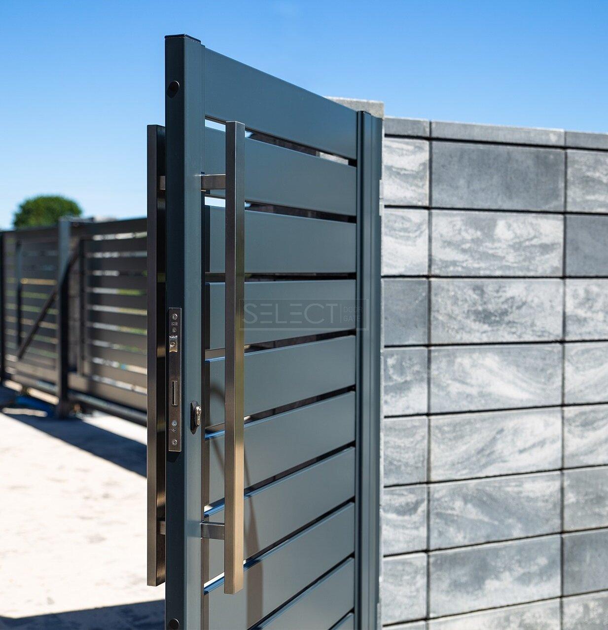 Примеры изготовления красивых уличных ворот и калиток - въездные автоматические системы - Установка Одесса