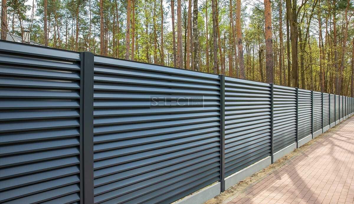 Секции стальные жалюзи на забор для частного дома купить - металлические уличные ограждения