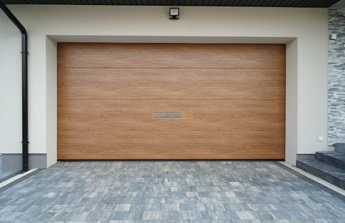 Красивые теплые ворота для гаража с автоматикой